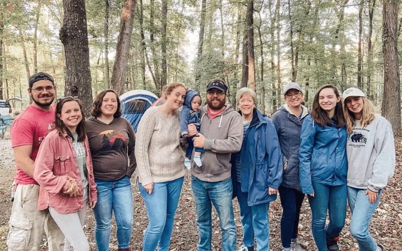 How to Plan a Camping Family Reunion @ PieIronsAndCampfires.com
